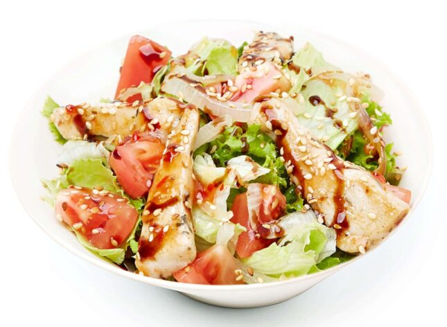 Салат теплий з куркою